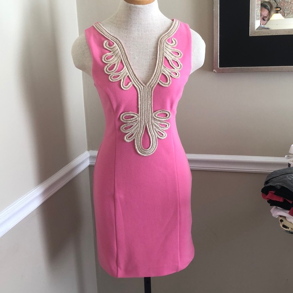 Lilly Pulitzer Dresses & Skirts - Lilly Pulitzer pink dress with gold appliqué sz sm